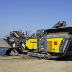 RM 120GO! mobile impact crusher processing concrete